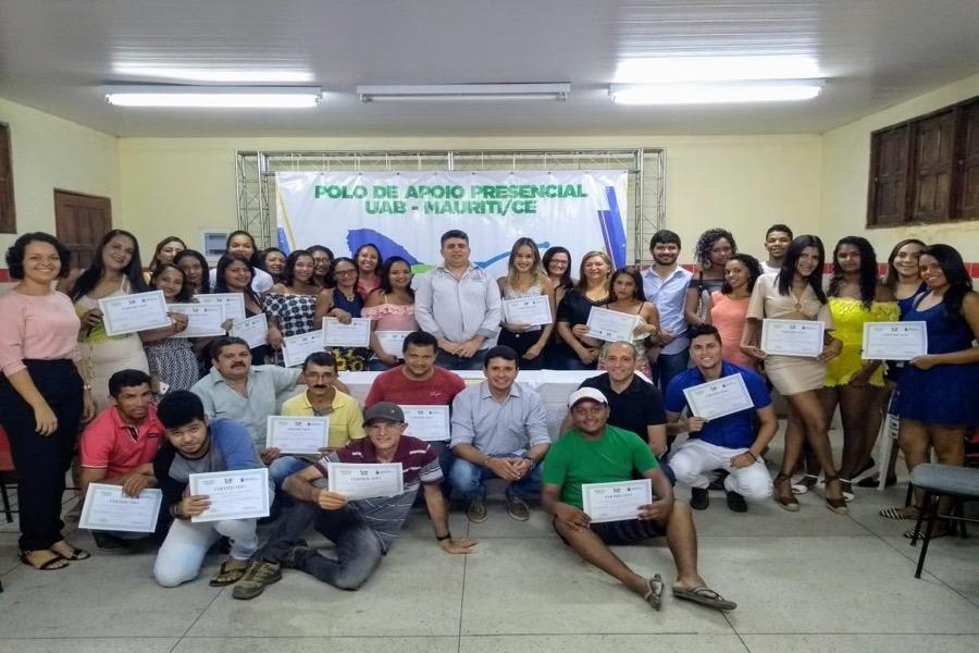Mauriti -Educação realiza entrega de certificados para alunos do Polo UAB