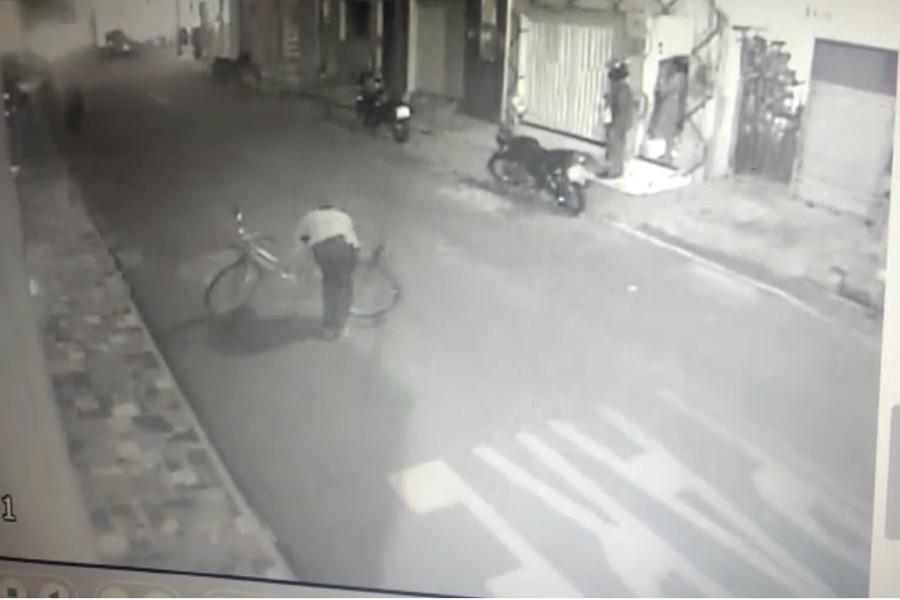 Vídeo mostra momento em que jovem Wesley foi atingido por disparo durante assalto em Juazeiro do Norte-CE
