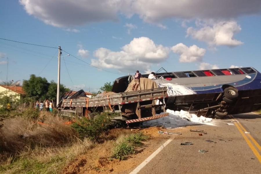 Sobreviventes de acidente com seis mortes em Campos Sales-CE seguem internados