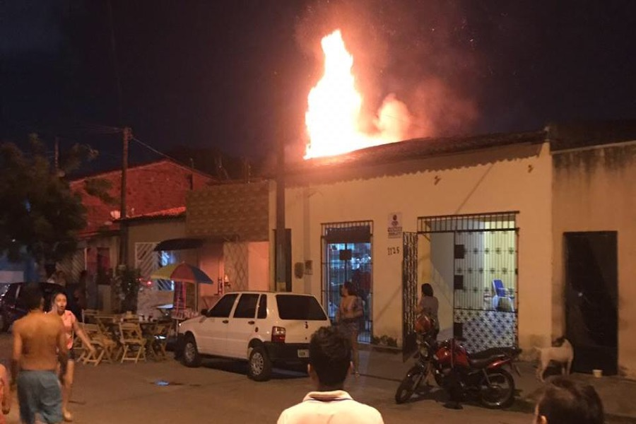 Vazamento de gás causa explosão, incêndio e morte em pizzaria na Capital