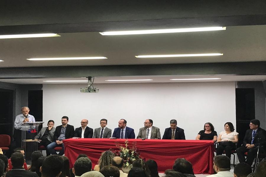 Advogado e professor Reno Feitosa recebe homenagem da Câmara Municipal do Crato