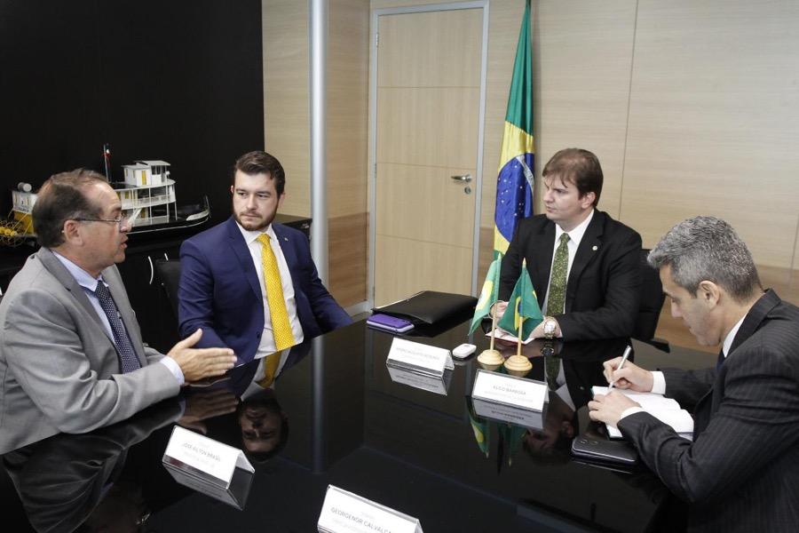 Em Brasília, Prefeito Zé Ailton Brasil busca solução para sanar problema do canal do Rio Granjeiro