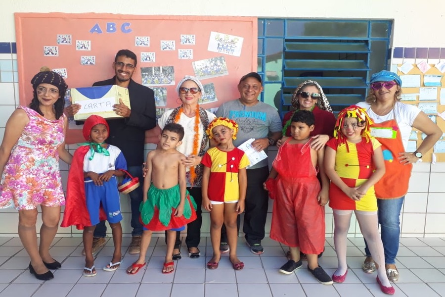 Escolas cratenses promovem comemoração lúdica em alusão ao Dia do Livro Infantil