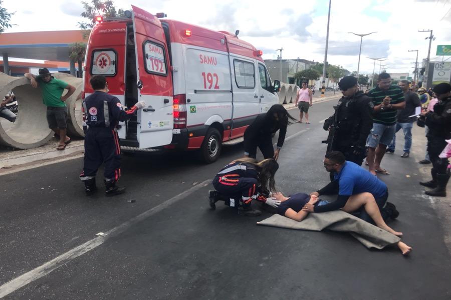 Carroceiro embriagado provoca acidente com veículo em avenida movimentada de Juazeiro do Norte-CE