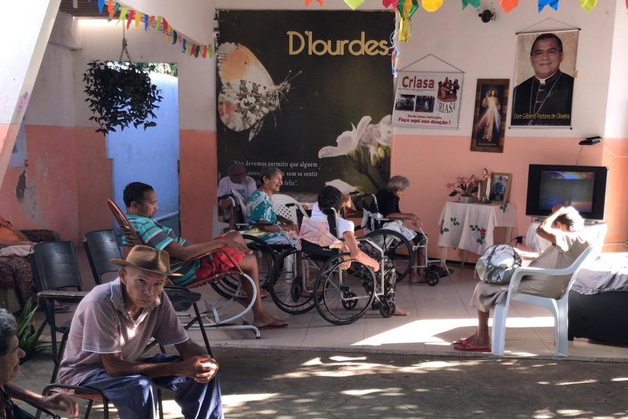 Dia dos avós: conheça a história de idosos que moram em casa de referência no município de Juazeiro do Norte