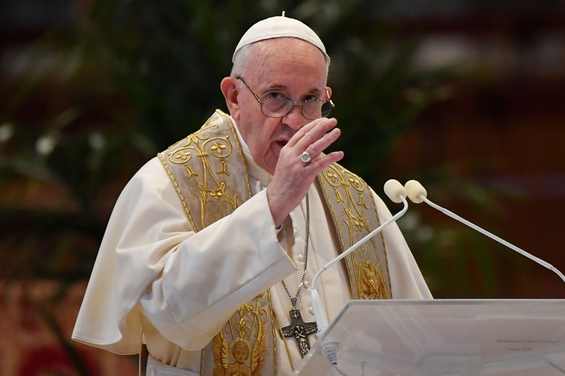 Papa Francisco dá a benção