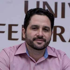 Tibério Oliveira