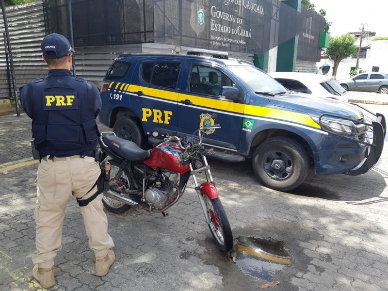 Policiais rodoviários federais recuperaram veículos roubados ao longo da operação — Foto: PRF/CE