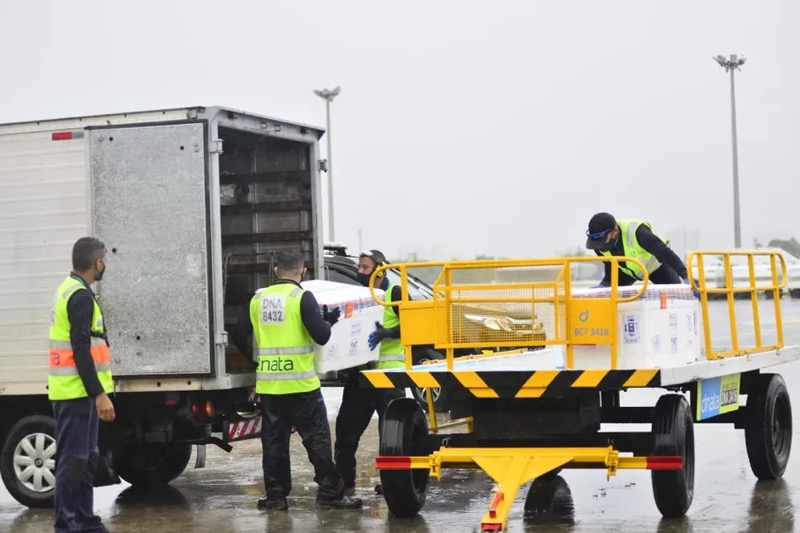 Ceará recebe novo lote de Astrazeneca/Oxford na madrugada desta terça. — Foto: Governo do Estado/Divulgação
