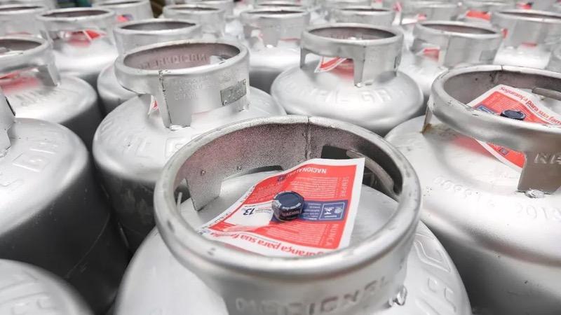 Programa vale-gás é uma parceria entre o Governo do Ceará e a Nacional Gás, que vendeu os botijões a preço de custo. — Foto: Divulgação